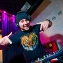 Michael Calfan Vs Akula - Resurrection of Akula (Acid DJ)  (Sergio Bertolucci Mash Up)