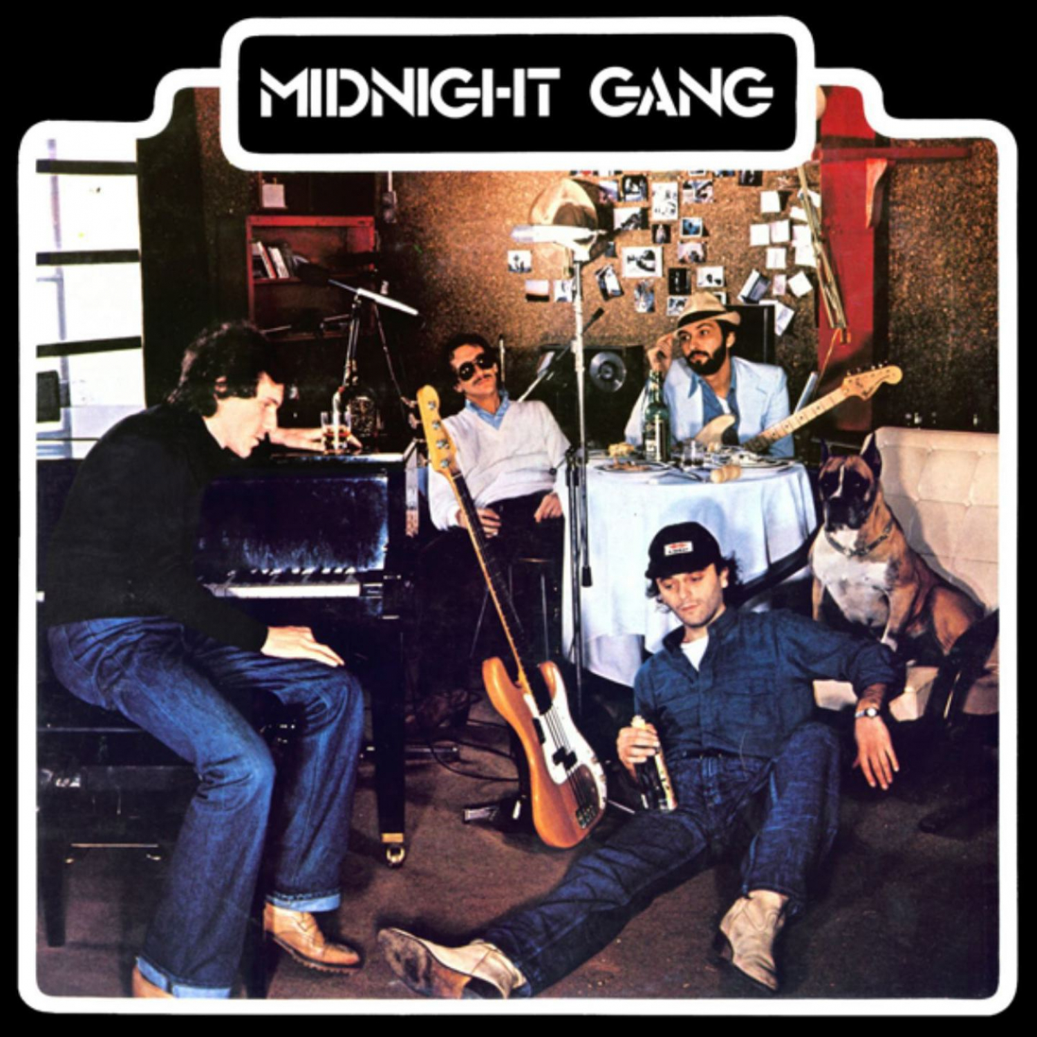 Midnight Gang - Love Is Magic (Single Version)