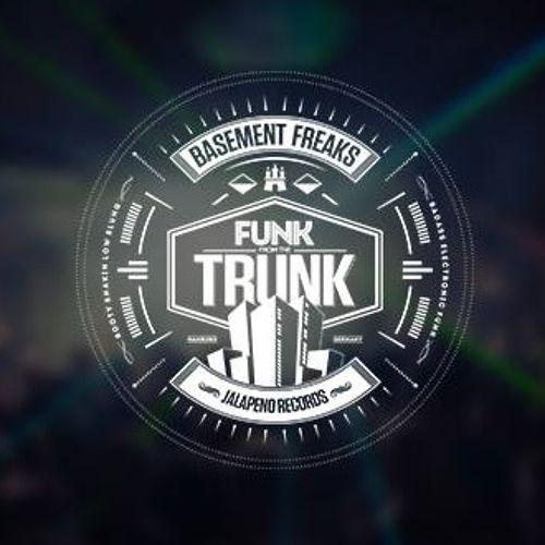 Basement Freaks feat. Mustafa Akbar - Booty Shackin\' (Original Mix)