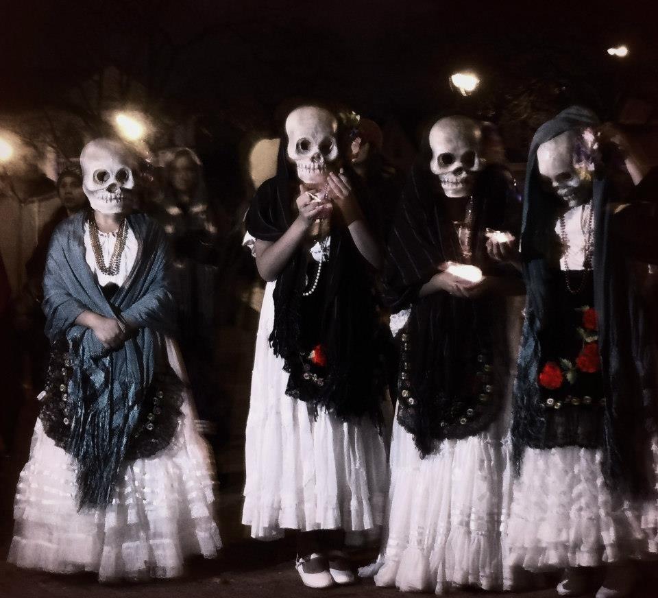 Dressed Skeleton - Vol. VI ()